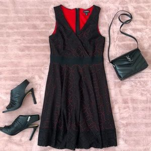 Le Chateau fit & flare red black dress M nwot